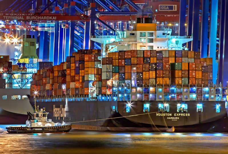 Four Strategies that Help Reduce the Shipping Industry's Carbon Emissions